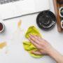 Jak usunąć plamy z herbaty na odzieży?