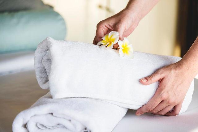 pranie odzieży pracowników hotelowych