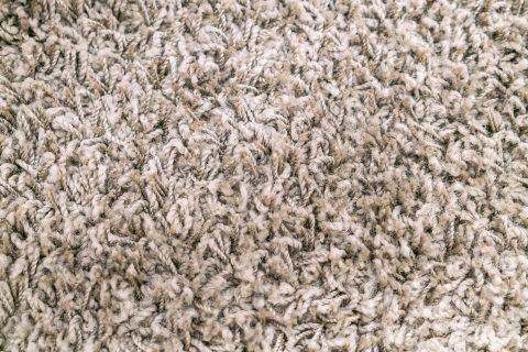 Jak prać, czyścić i pielęgnować wełniany dywan?