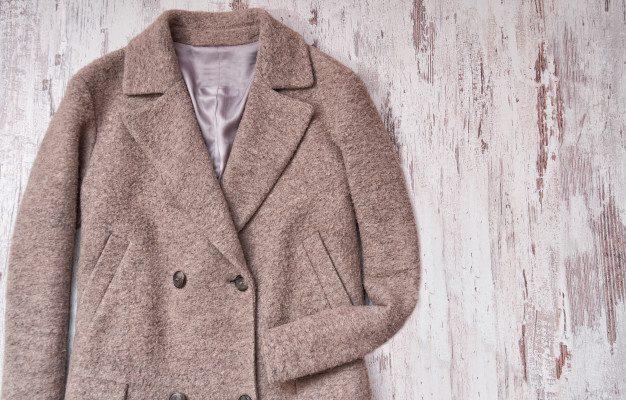Pranie wełnianego płaszcza – poradnik